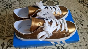 Adidas CourtVantage Gold Gr. 36 2/3 - 37 NEU