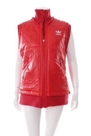 Adidas Daunenweste rot-weiß sportlicher Stil