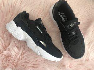 Adidas High top sneaker zwart-wit
