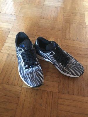 Adidas Flux Sneaker