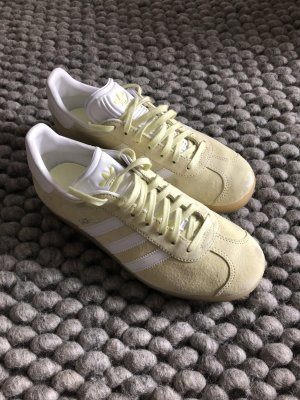 Adidas Lace-Up Sneaker pale yellow