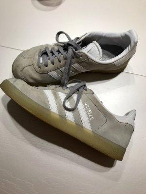 Adidas Sneaker stringata grigio chiaro
