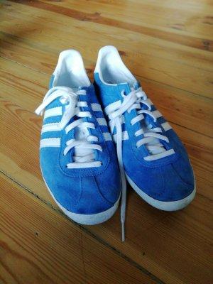 Adidas Gazelle Sneakers in hellblau
