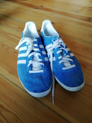 Adidas Gazelle Sneakers in hellblau