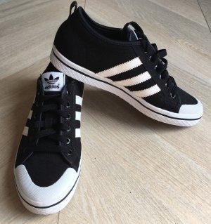 Adidas Originals Sneaker stringata nero-bianco