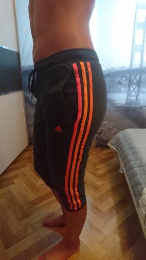 Adidas Hose seitlich bunt