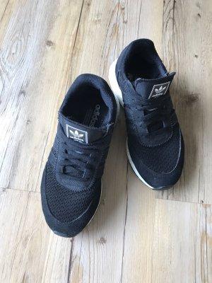 Adidas Originals Basket à lacet noir