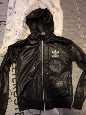 Adidas Jacke in schwarz mit Glitzer