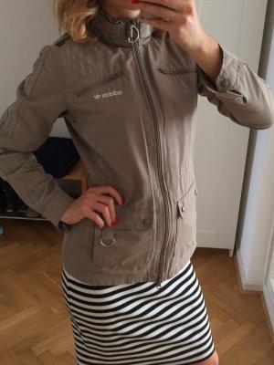 Adidas Jacke mit Kapuze grün Größe 36