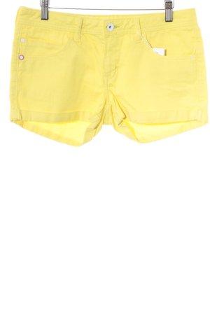 Adidas Denim Shorts yellow casual look