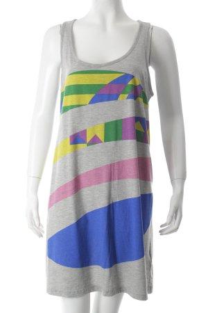 Adidas Jerseykleid grafisches Muster sportlicher Stil