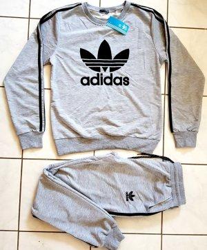 Adidas Chándal negro-gris