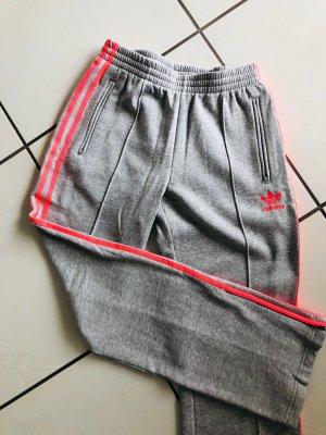 Adidas Trackies grey-neon pink