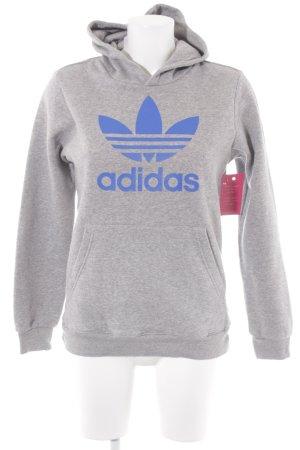 Adidas Jersey con capucha gris claro letras impresas estilo deportivo