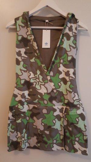 Adidas Kleid mit Kapuze