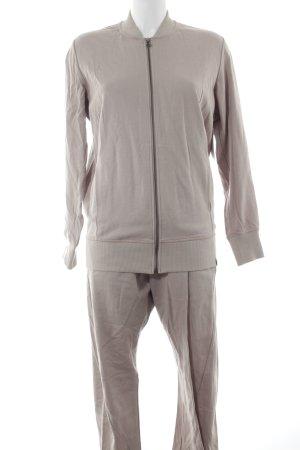 Adidas Kostüm beige-weiß sportlicher Stil