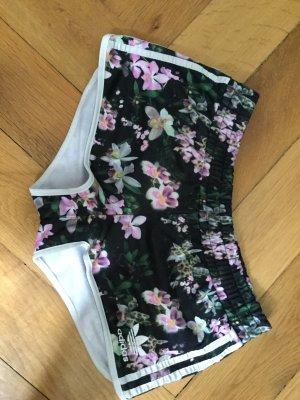 Adidas, kurze Hose, Blumenmuster, 38