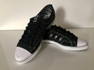 Adidas low sleek Sneaker, Turnschuhe! *NEU*