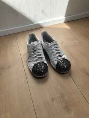 Adidas Metal toe sneaker