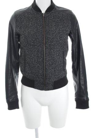 Adidas NEO Blusón negro-blanco look casual