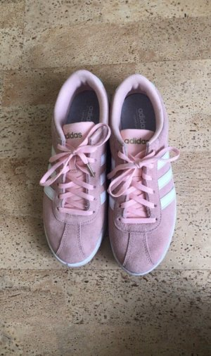 Adidas NEO Lace-Up Sneaker pink