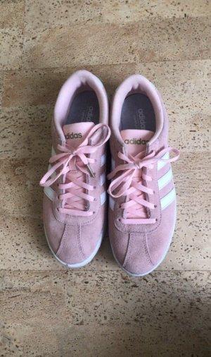 Adidas NEO Basket à lacet rose