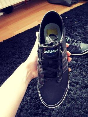 Adidas Neo Schuhe *-*
