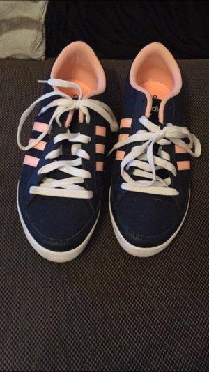 Adidas neo Schuhe in Größe 40 2/3