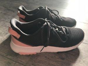 Adidas Neo, schwarz, Gr. 6,5
