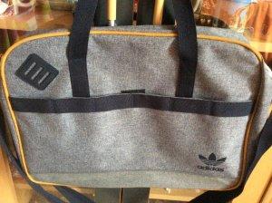 Adidas Valigetta grigio chiaro Fibra tessile