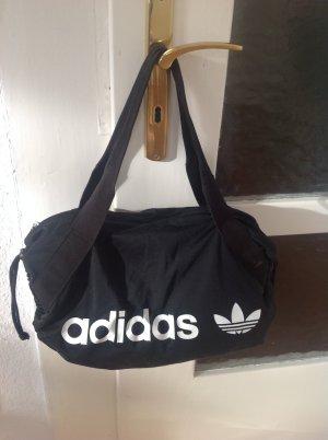 Adidas Originals Duffle Bag in klassischer schwarz/ weiß Farbstellung