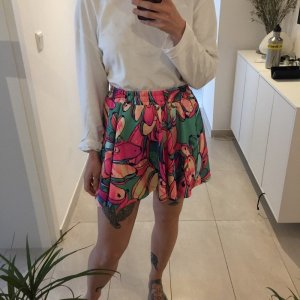 Adidas Originals kurzer bunter High Waist Skater Rock aus Jersey Blumen