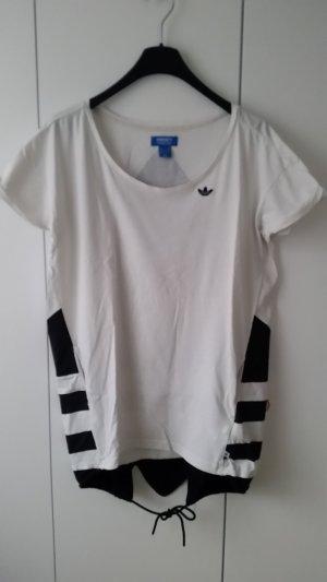 Adidas Originals Oversize-Shirt mit mega großem Logo auf der Rückseite