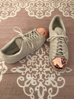 Adidas Originals Sneaker stringata color oro rosa-bianco sporco