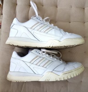 adidas Originals – Weiße Sneaker, A-R