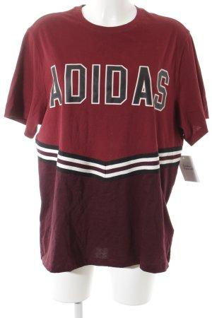 Adidas Oversized Shirt Schriftzug gedruckt Street-Fashion-Look