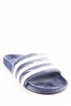 Adidas Pantuflas azul-blanco estampado a rayas look casual