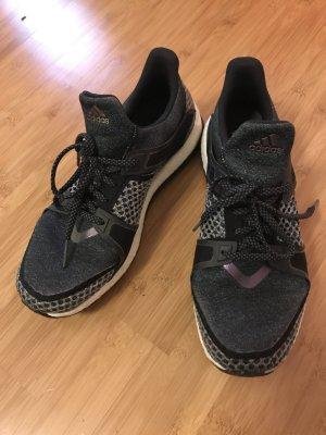 Adidas Pure Boost Sneaker / Laufschuhe
