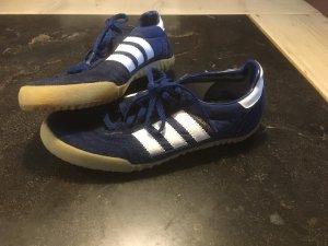 Adidas Retro Sneaker aus D-Mark Zeiten