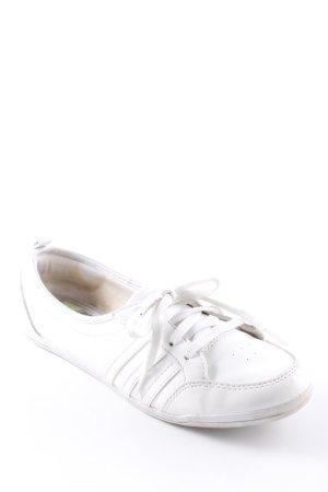 Adidas Schnürschuhe weiß sportlicher Stil