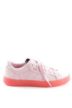 Adidas Zapatilla brogue rosa look Street-Style