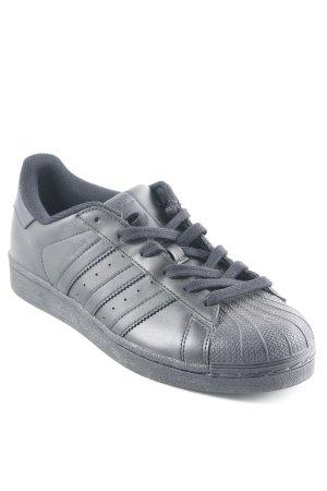 Adidas Basket à lacet noir style décontracté