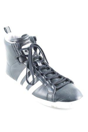 Adidas Schnürsneaker schwarz-weiß Streifenmuster Street-Fashion-Look