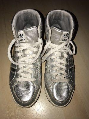 Adidas Originals Basket à lacet argenté