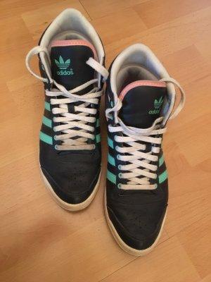 Adidas Schuhe abwaschbar.