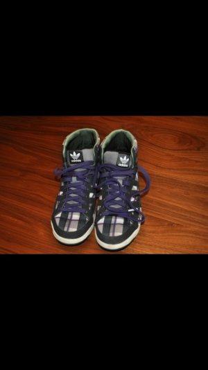 Adidas Schuhe in sehr gutem Zustand