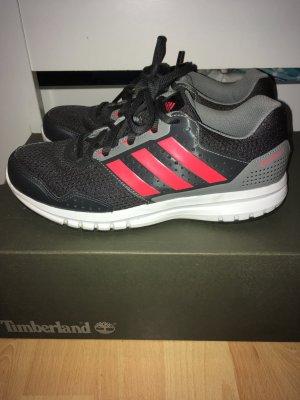 Adidas Schuhe in tollem Zustand