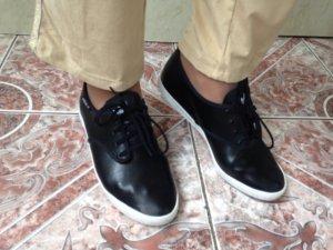 Adidas Schuhe Sneakers in Schwarz, echter Leder Größe 38, wie NEU