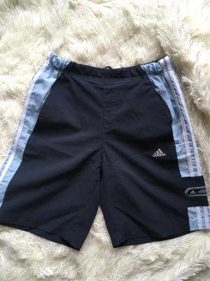 Adidas Shorts Blau mit Loch
