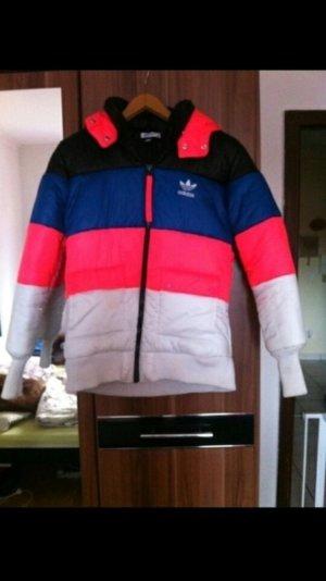 Adidas skijacke Größe 38 in den Farben schwarz, blau, Pink, weiß
